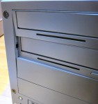 Twotop PC: 5インチベイの凹み