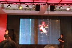 おもちゃショー 2009: CCP ブース: ヘリコプターデモ風景
