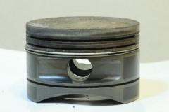 セスナのエンジンヘッド: A-DEP 4sec F11 評価測光 EV+0 ISO100 90mm Tamron WB:白熱電球