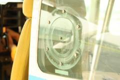 セスナの撮影用小窓: 円形: プログラムAE 1/30sec F4.0 スポット測光 EV+1 ISO200 EF-S55-250mm WB:日陰