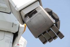 お台場ガンダム: 右手: 絞り優先AE 1/250sec F8.0 評価測光 EV+0 ISO100 146mm EF-S55-250mm WB:オート AF:AI サーボ AF PS:スタンダード