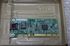 Intel PRO/1000 GT デスクトップ アダプタ