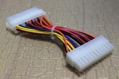 ATX 電源 20ピンから 24ピンへの変換コネクタ