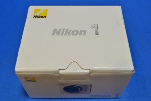 Nikon J1: 箱