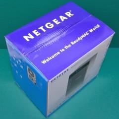 ReadyNAS Ultra 6 Plus RNDP600U: 本体の箱