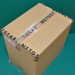 ReadyNAS Ultra 6 Plus RNDP600U: 段ボール箱