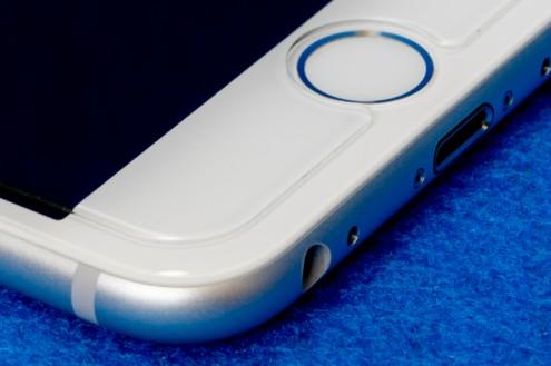 iPhone6: 左下角