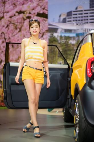 東京モーターショー 2015: 女性コンパニオン: SUZUKI: MIGHTY DECK