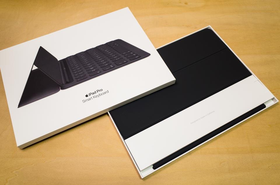 iPad Pro Smart Keyboard 10.5 インチ: 梱包ケース空けたところ