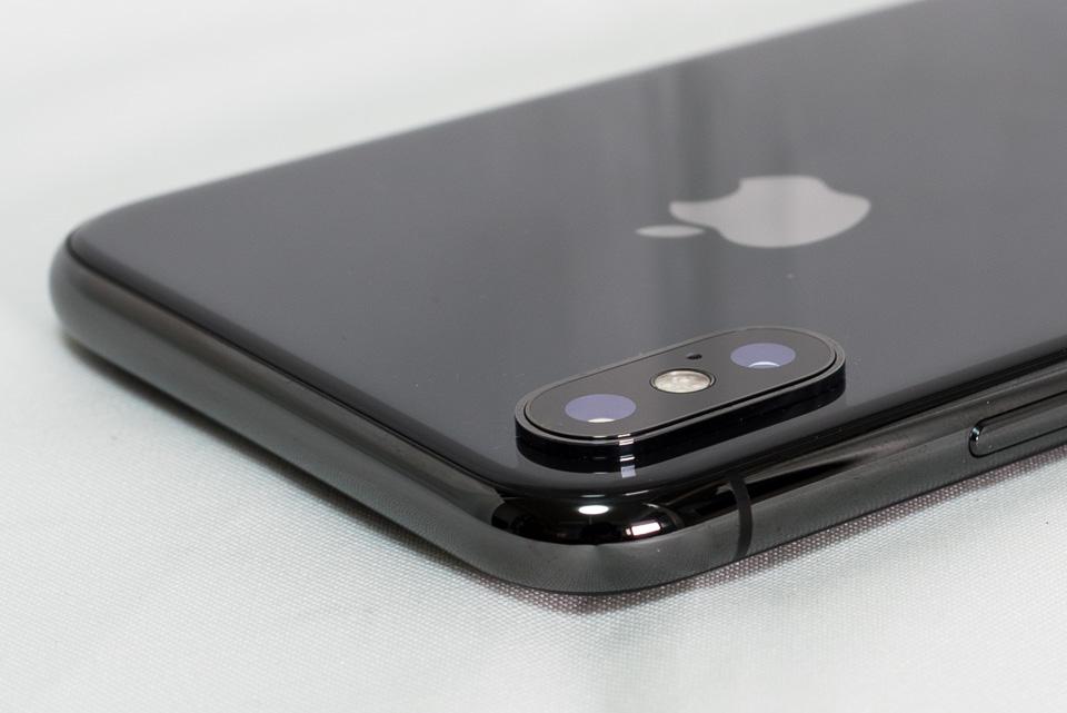 iPhone 7 Plus vs. iPhone X: 背面カメラ