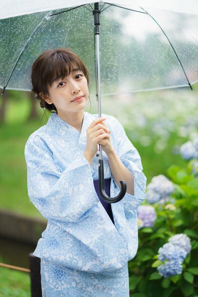 全東京写真連盟:水元公園花菖蒲撮影会: 傘をさしている状態