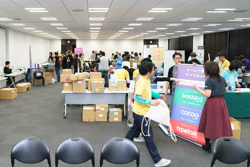 WordCamp Tokyo 2019: ルームEF 企業ブース準備風景